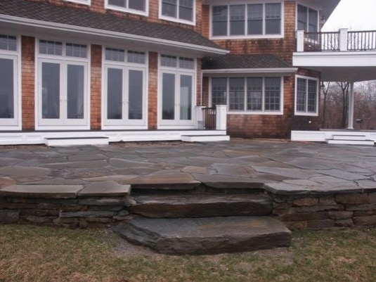 match patio flagstone stone with color of home