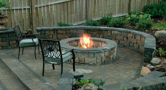small backyard landscaping ideas installing firepit flagstone decor