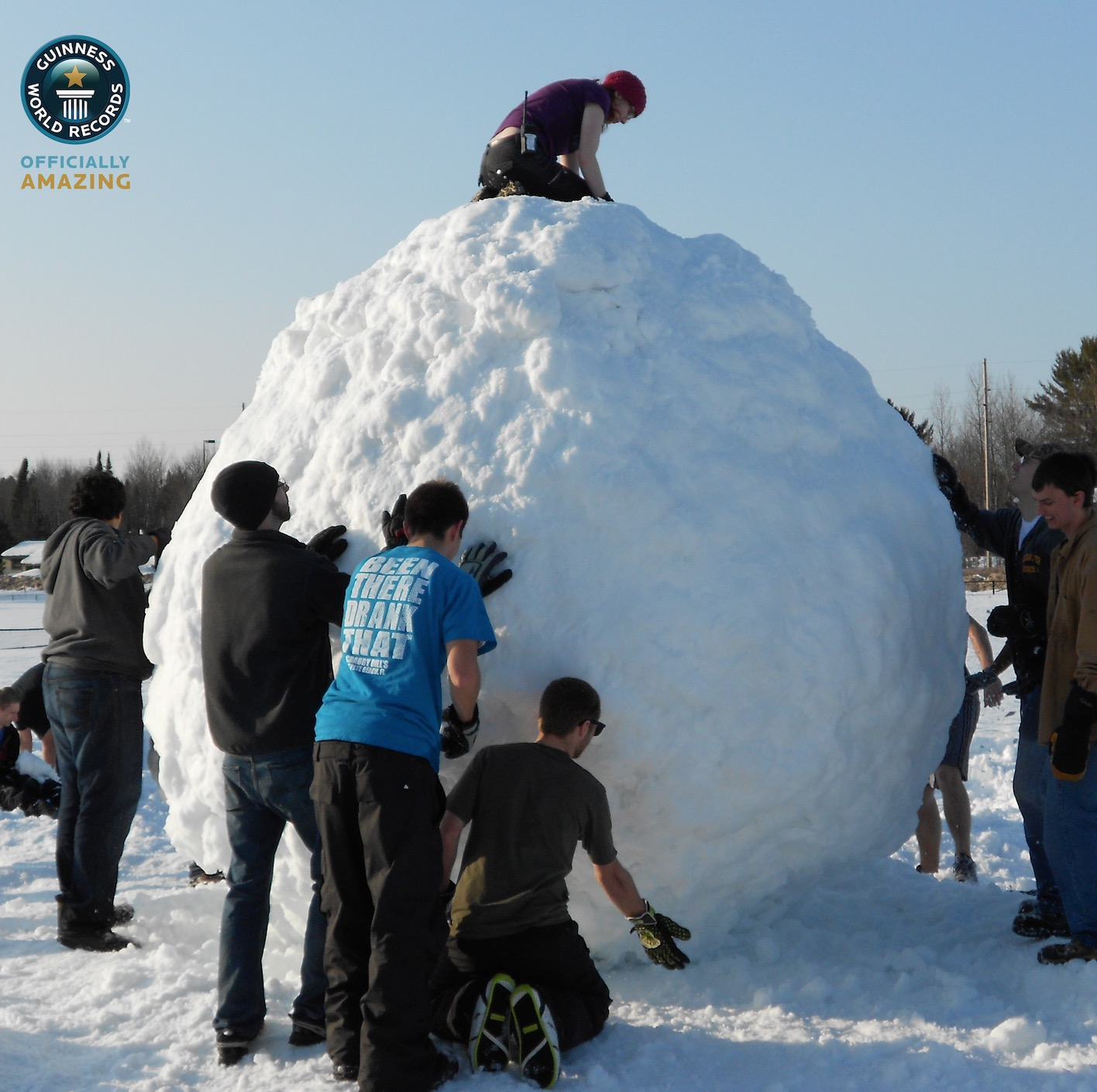 How To Roll The Hugest Snowball Possible - Your Essential ...