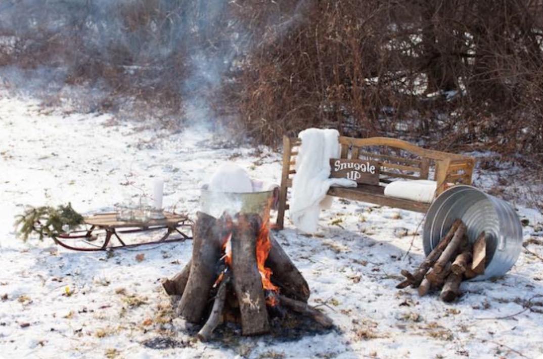 winter-backyard-bonfire