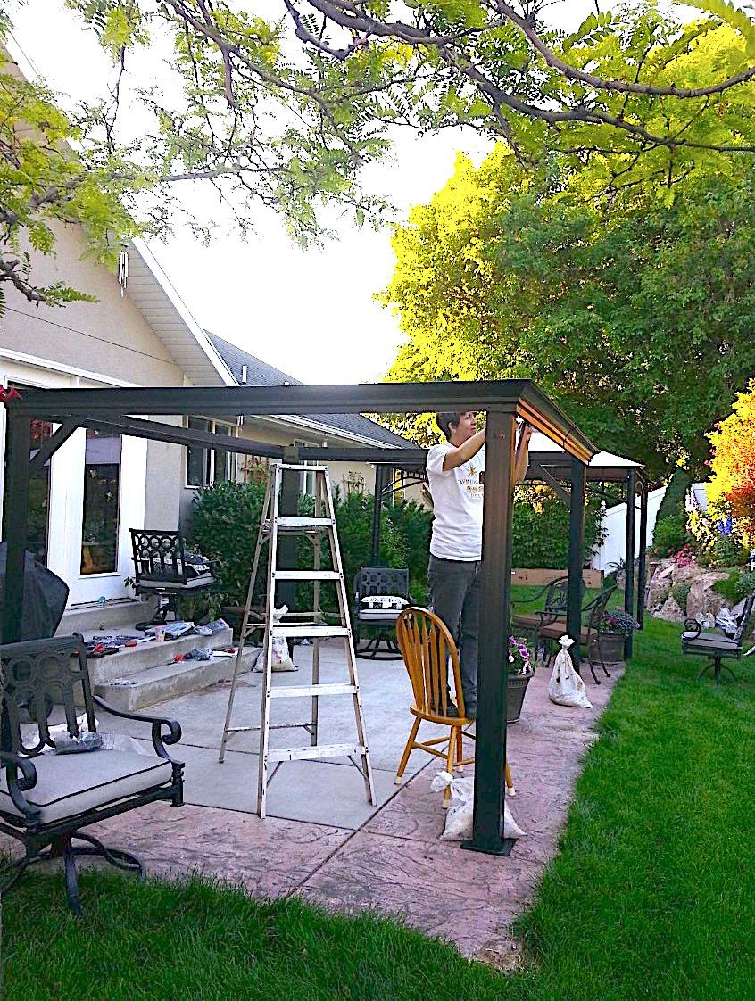 Sojag 500-7156980 Track No.77 Messina Hard Top Sun Shelter