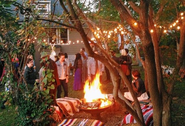 campfire party backyard