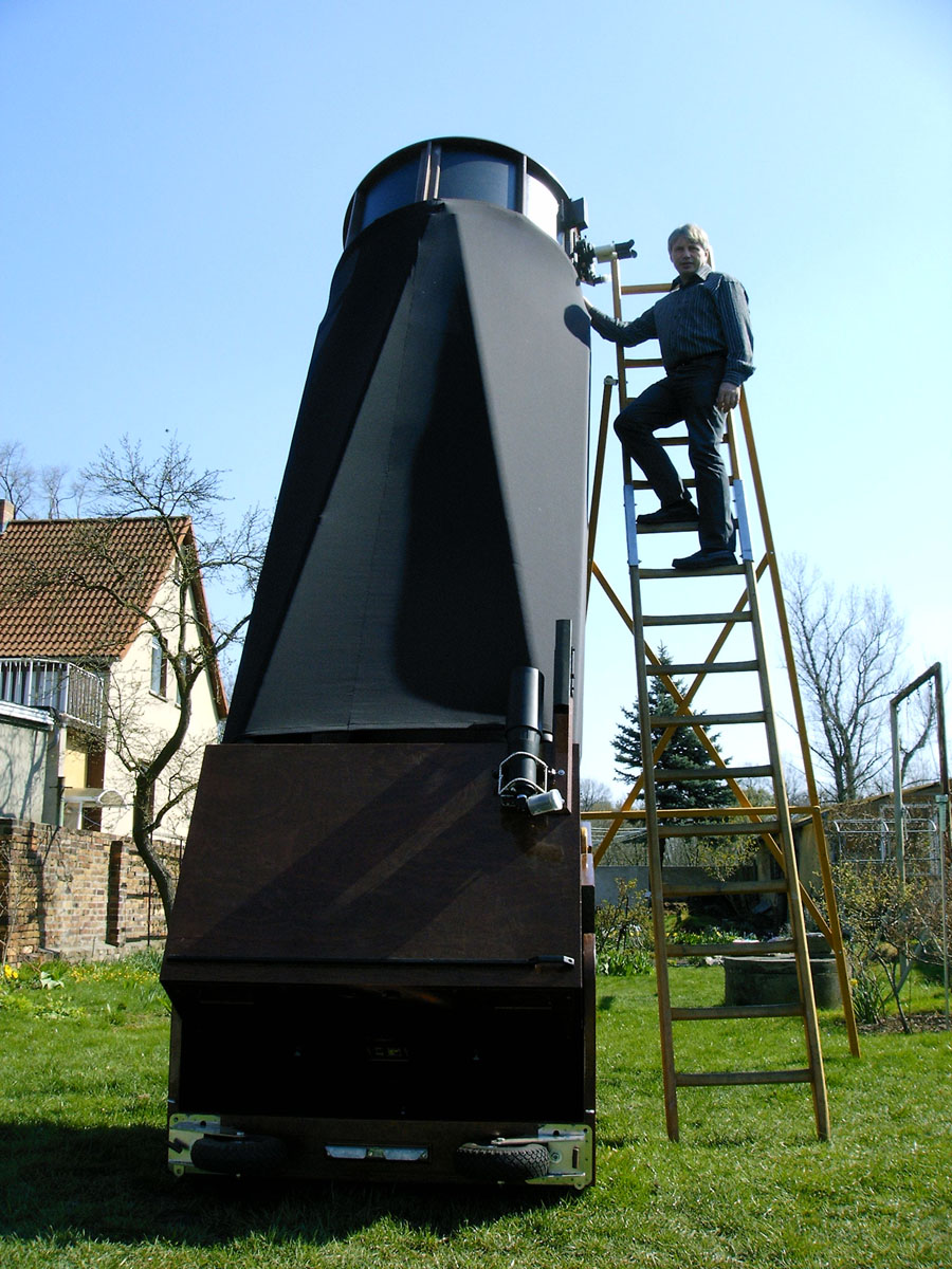 How Does a Dobsonian Telescope Work?