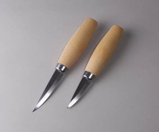 A Guide To The Basic Essential Wood Carving Tools For Beginners
