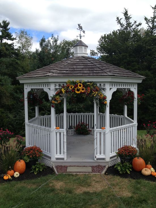 fall gazebo decorating